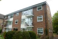 3 bedroom Flat in Heatherdale, The Avenue...