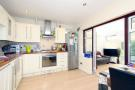 2 bedroom Ground Maisonette for sale in Deepdene Court...