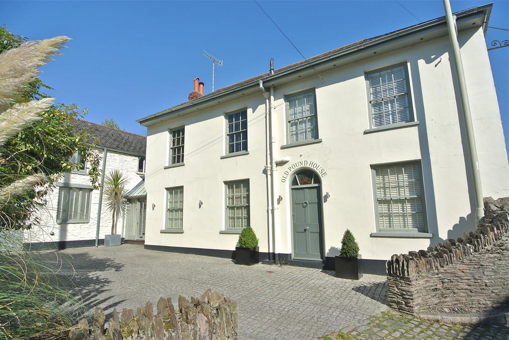 4 bedroom detached house for sale in dartmouth road stoke