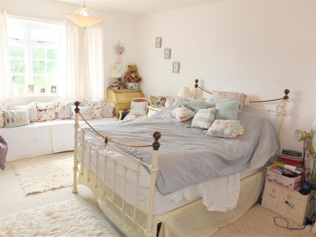 Bedroom One 010.jpg