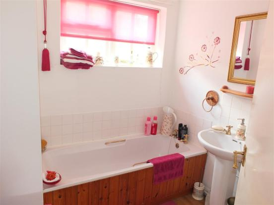 Bathroom One 012.jpg