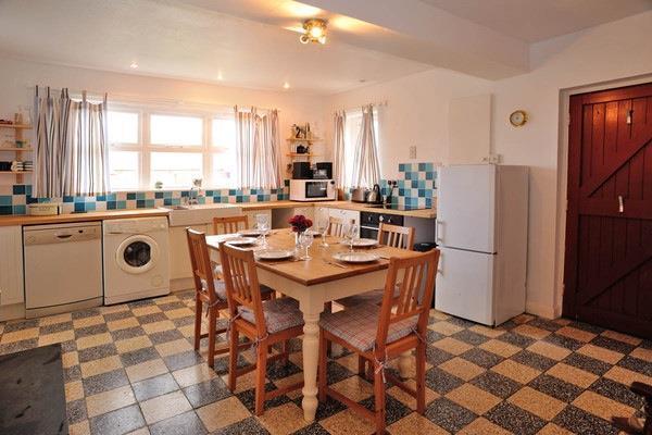 Hawthorn kitchen din