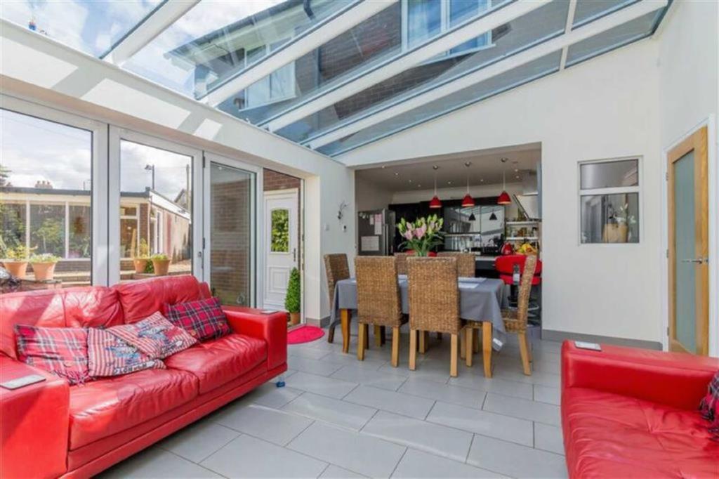 3 Bedroom Detached House For Sale In Queens Park Avenue Dresden Stoke On Trent St3