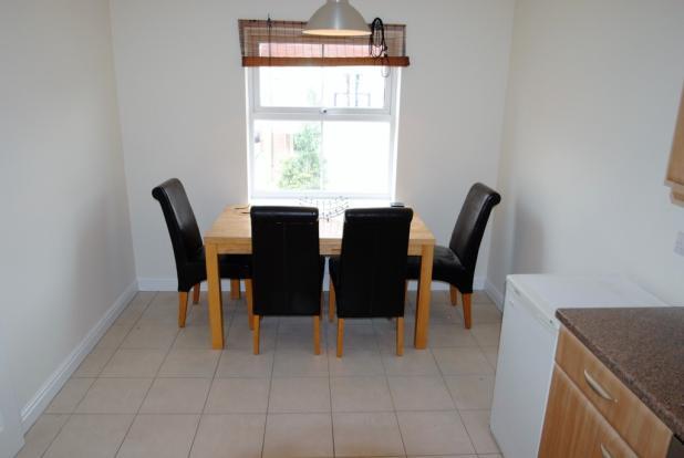 Kitchen Diner (2)