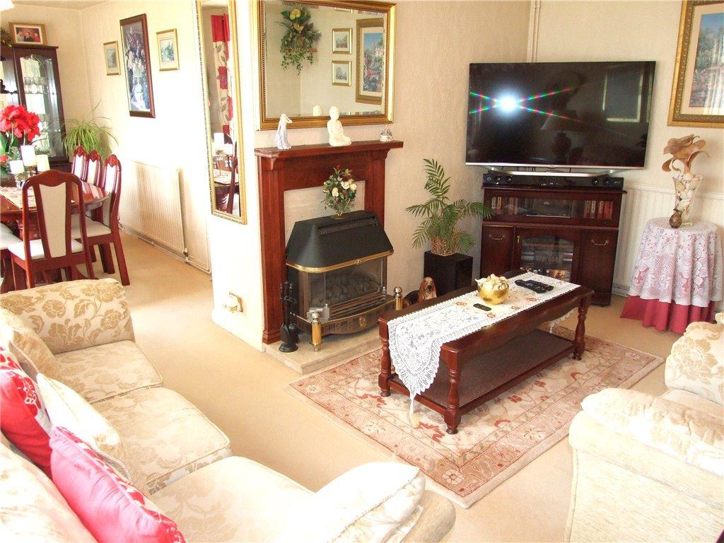 Lounge/ Dining Room