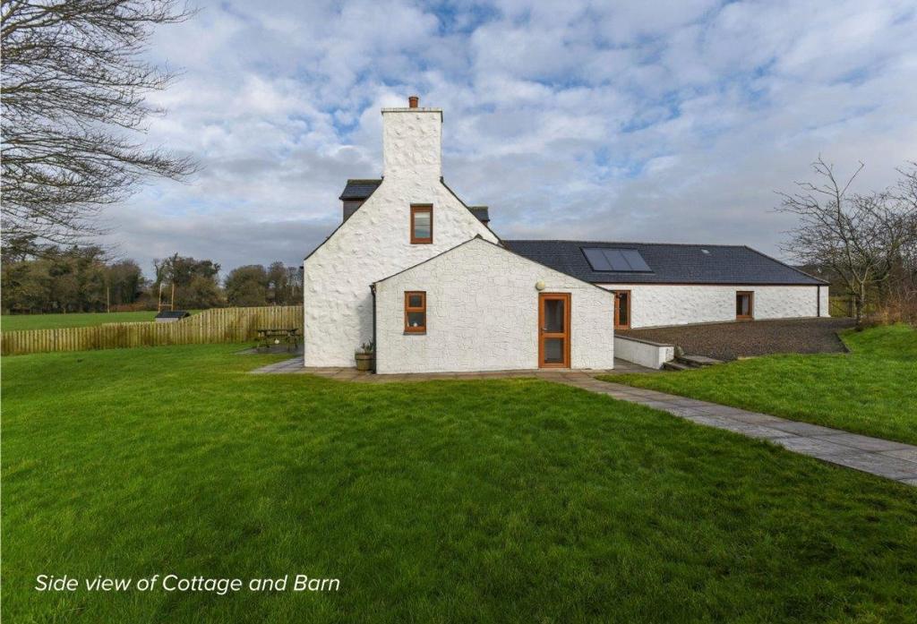 Side Cottage & Barn