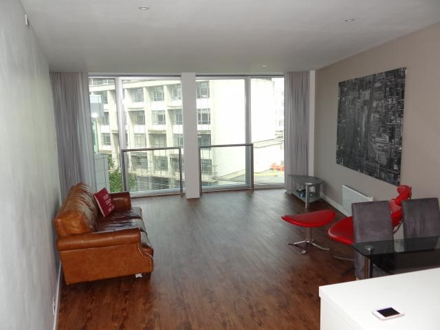 bedroom apartment to rent in rotunda 150 new street birmingham b2