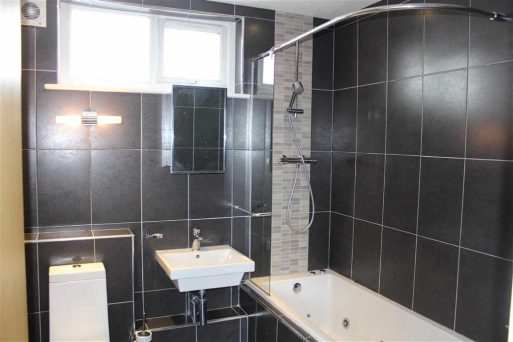 2 Bedroom Apartment For Sale In Chatsworth House