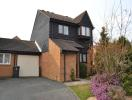 Link Detached House to rent in Dove Close...