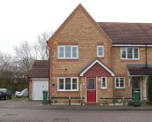 3 bedroom property to rent in Oakwood Park, Aylesbury...