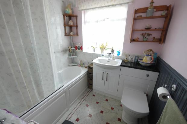 Family Bathroom:-