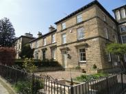 4 bedroom Terraced property for sale in George Street, Saltaire