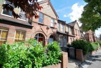 Flat for sale in Gladstone Avenue...