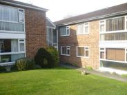 2 bed Flat in Old Lodge Lane, Purley...