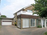 Detached home in Shoreham Beach