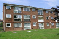 1 bedroom Ground Flat in Woodhall Farm
