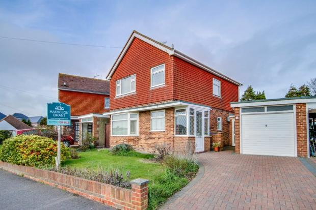 3 bedroom detached house for sale in southwick bn42 for Southwick storage