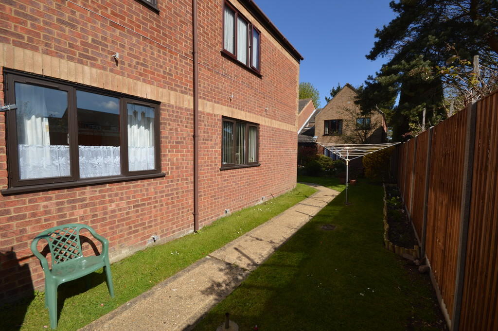 2 Bedroom Apartment For Sale In Lavender Court Kings Lynn Norfolk Pe30
