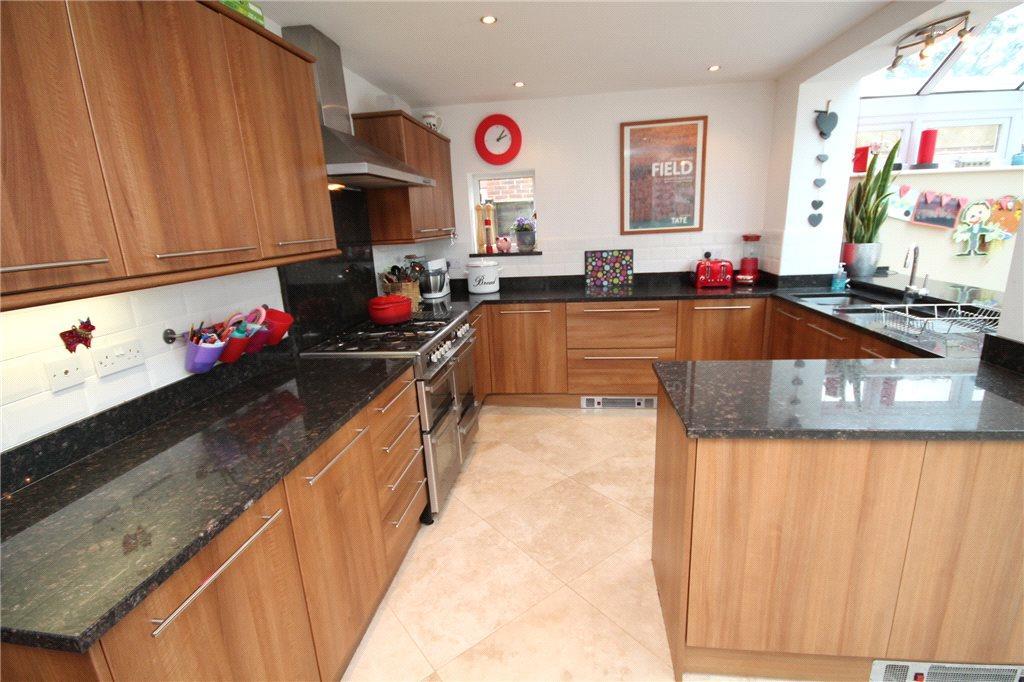 Alt Kitchen