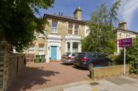Flat in Castelnau, Barnes, London