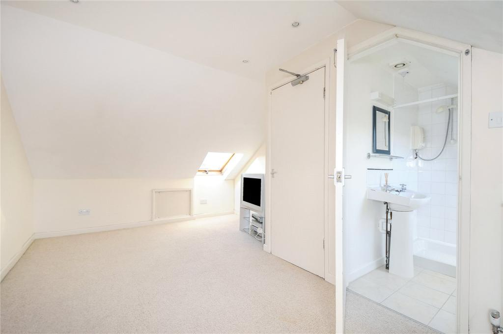 Bedroom 3/Bathroom 2