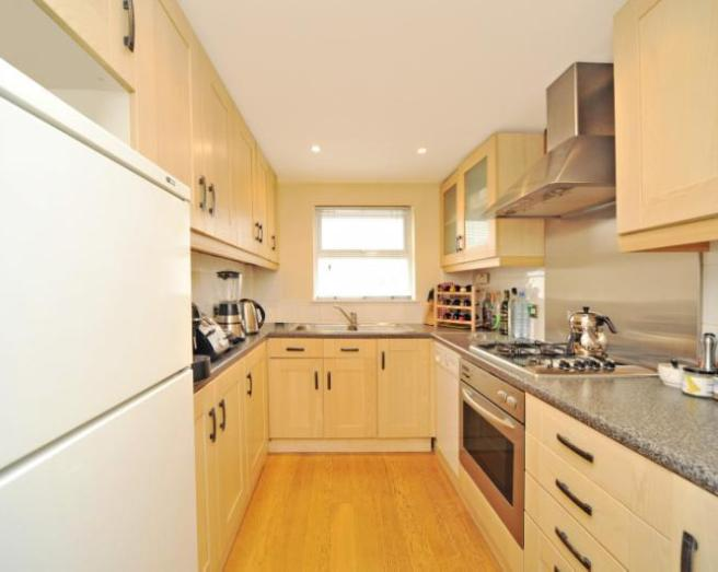Galley kitchen design ideas photos inspiration for Galley kitchen ideas uk