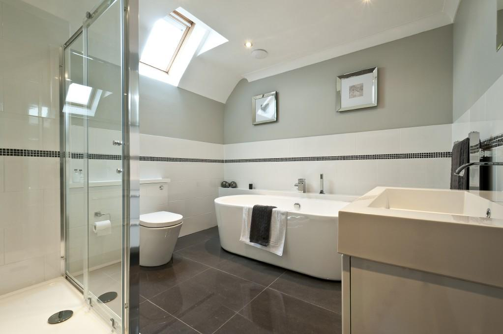 Beige White Ensuite Bathroom Design Ideas Photos Inspiration Rightmove Home Ideas