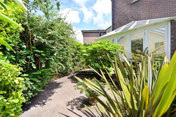 Garden Alt 2
