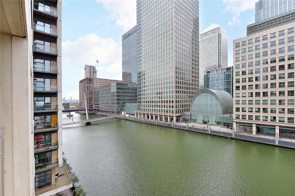 Dock & Canary Wharf