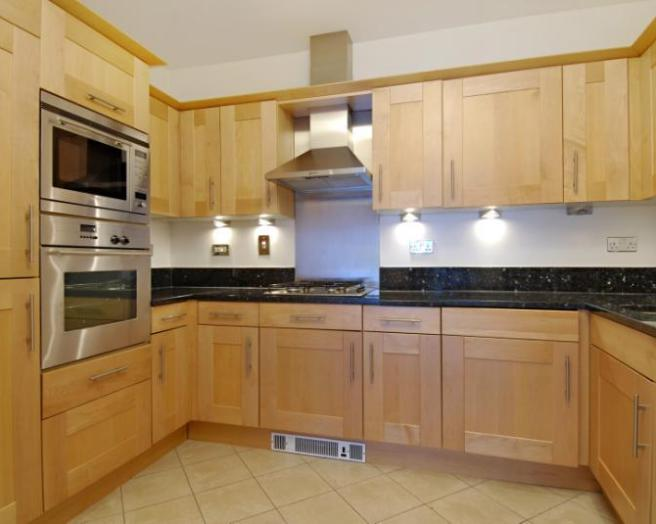 Black worktop kitchen design ideas photos inspiration for Kitchen ideas rightmove