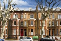 3 bed Flat for sale in Randolph Avenue, London