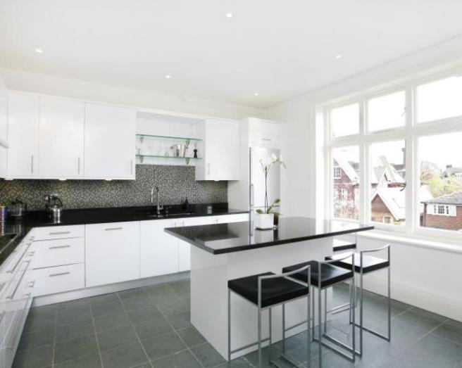 White floor tiles kitchen design ideas photos inspiration rightmove home ideas Kitchen ideas with black and white tiles