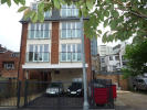 1 bed Flat in Grove Parade, Slough