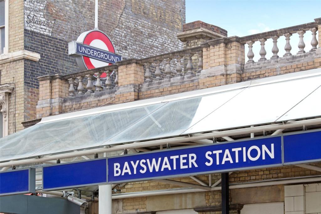 Bayswater Station