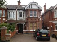 6 bed semi detached home to rent in Oaklea Ave , Ealing , ...