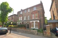 Flat to rent in Hartington Road, Ealing...