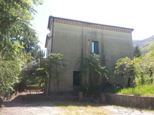 4 bedroom Character Property for sale in Campania, Salerno...