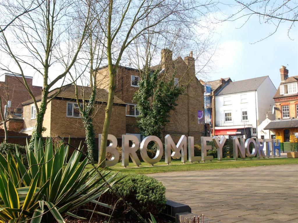 bromley sign.jpg