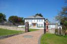 6 bedroom property for sale in Sea Road, Carlyon Bay...