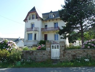 Character Property in Brittany, Finist�re...
