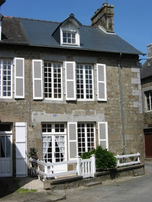 3 bedroom Village House in Brittany...