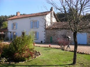 4 bedroom Detached house for sale in Poitou-Charentes, Vienne...