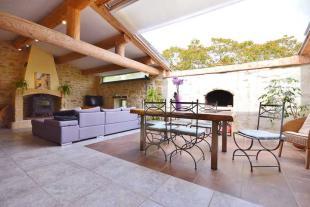 2 bedroom Village House in Uzès, Gard...