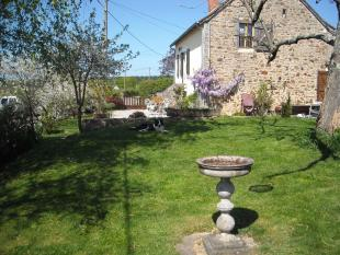 Farm House for sale in Sermages, Nièvre...