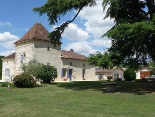 Country House in Castelmoron-sur-Lot...