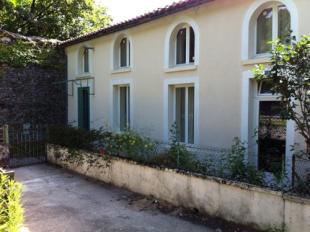 4 bedroom Cottage for sale in Vouvant, Vendée...