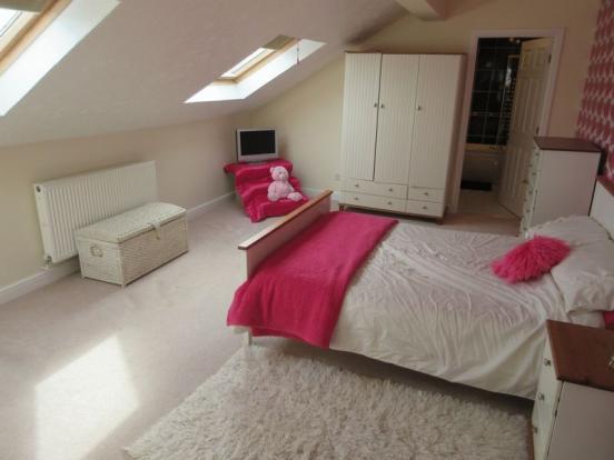 Loft Room (Bed...