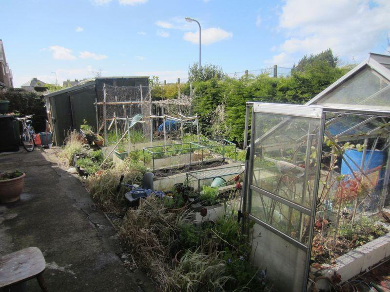 Side Garden (V...