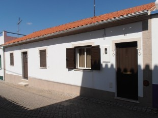 3 bed Village House for sale in Alto Alentejo, Avis
