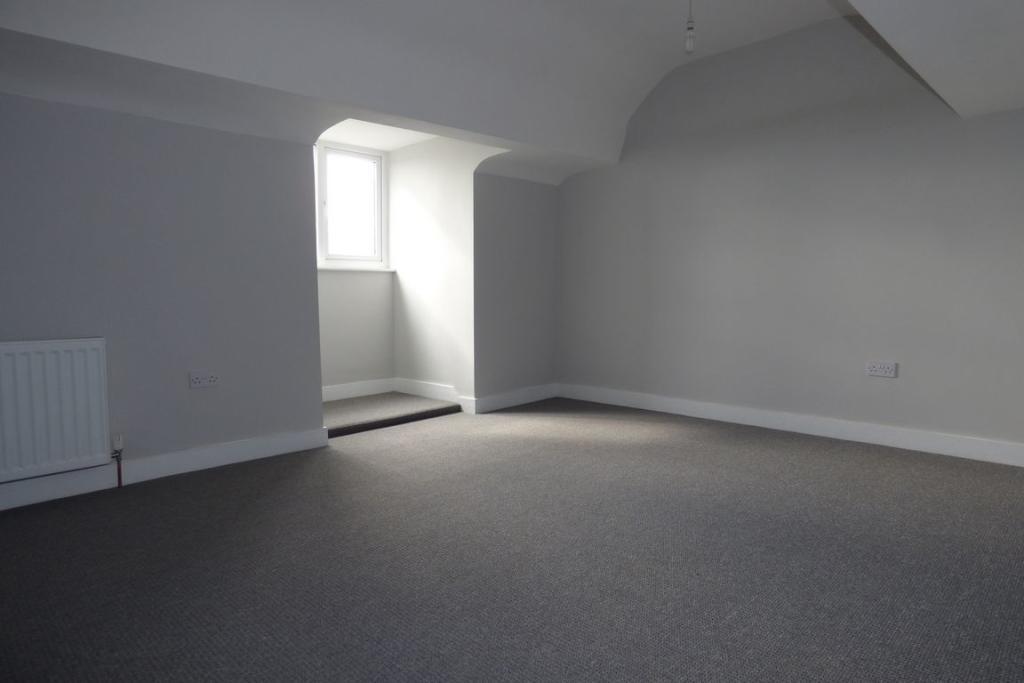 Bedroom 5 (Attic)